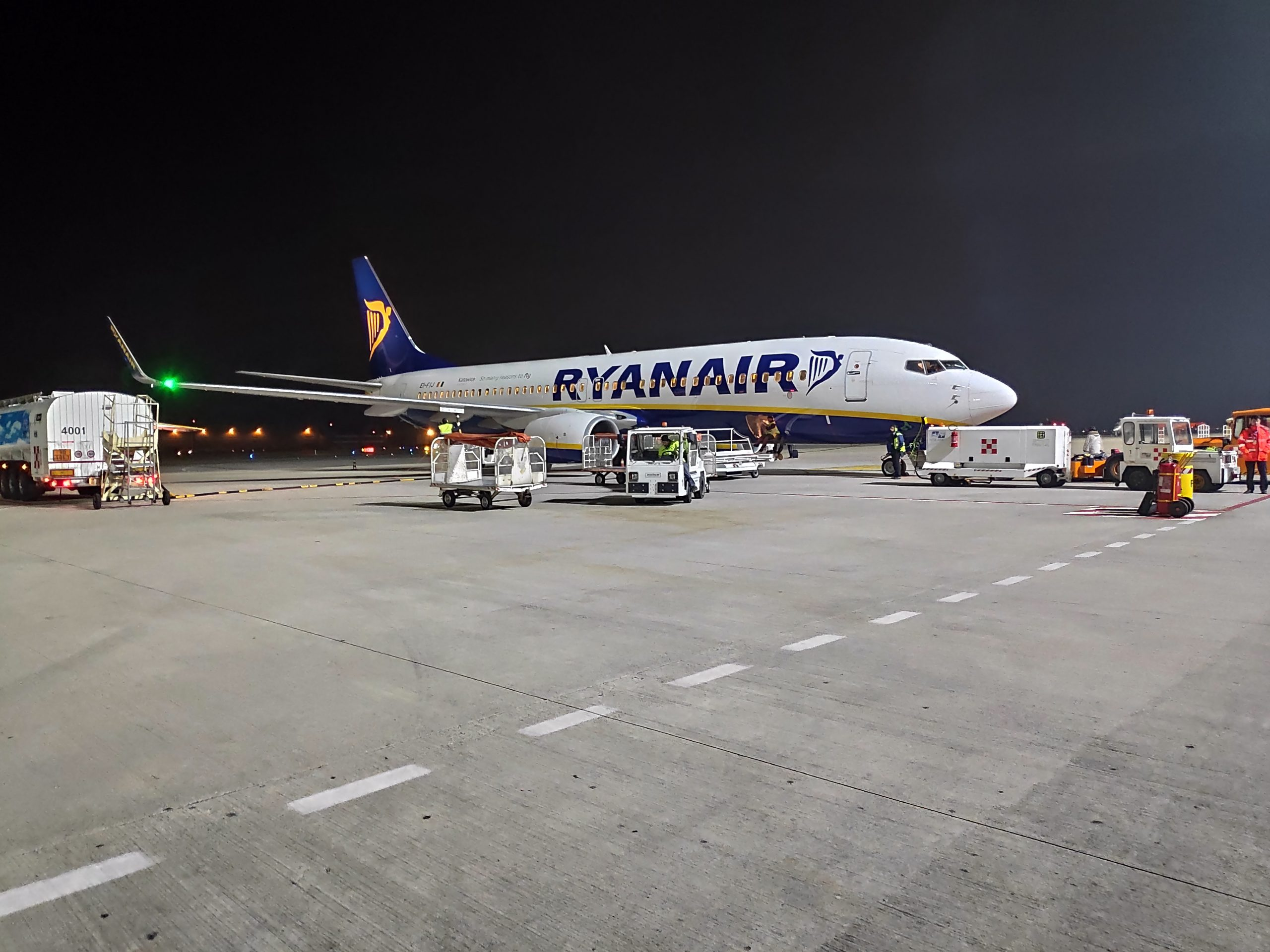 We took Ryanair, since we didn't had any stowed luggage, it was by far the cheapest option, if I remember correctly it was less than 70€ for return ticket.