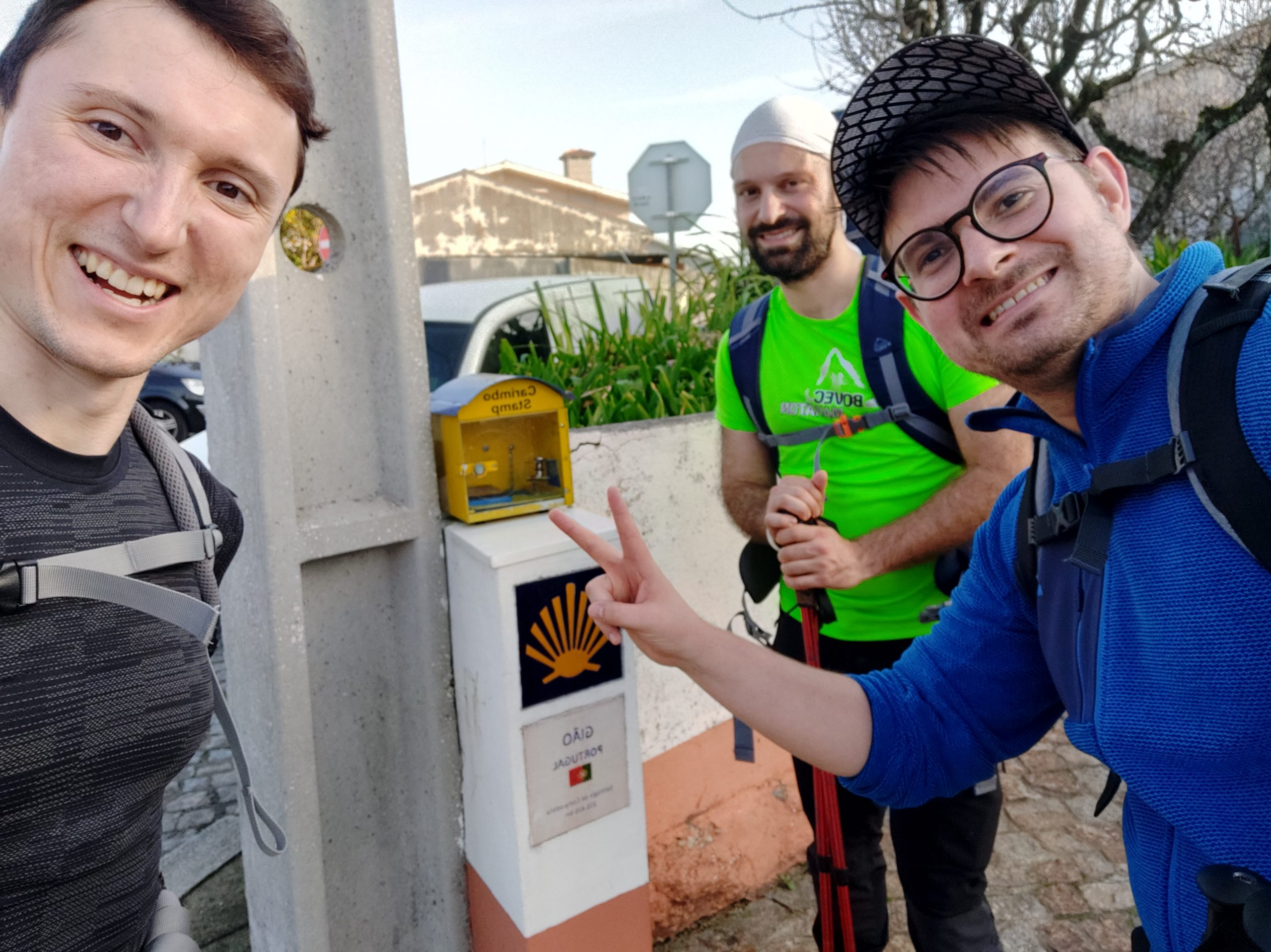 Doing a pilgrimage is a bit like being a Pokémon master, you have to catch stamps, at least 1, later even 2 per day, to get a diploma at the end. Usually they are found in stores, bars but from time to time, we found one in the open, by the road. This was our first stamp.